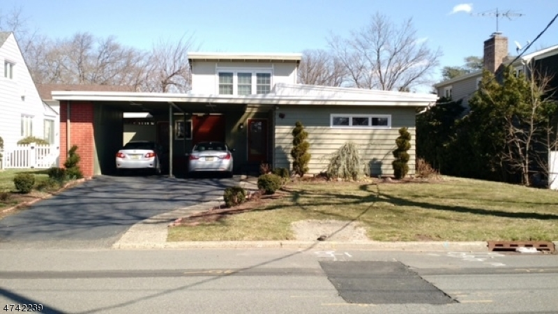 واحد منزل الأسرة للـ Sale في 114 Allwood Place 114 Allwood Place Clifton, New Jersey 07012 United States