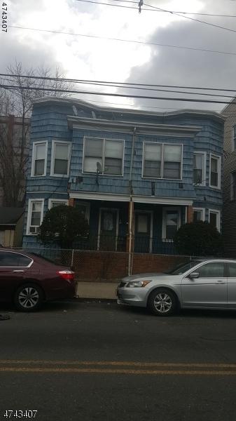 独户住宅 为 出租 在 419-421 E 18TH Street Paterson, 新泽西州 07524 美国