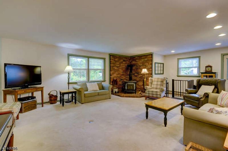 独户住宅 为 销售 在 20 Winding Way 莫里斯平原, 新泽西州 07950 美国