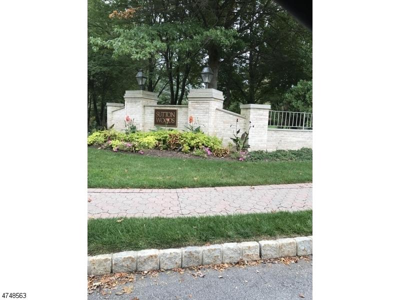 独户住宅 为 销售 在 110 Terrace Drive 查塔姆, 新泽西州 07928 美国