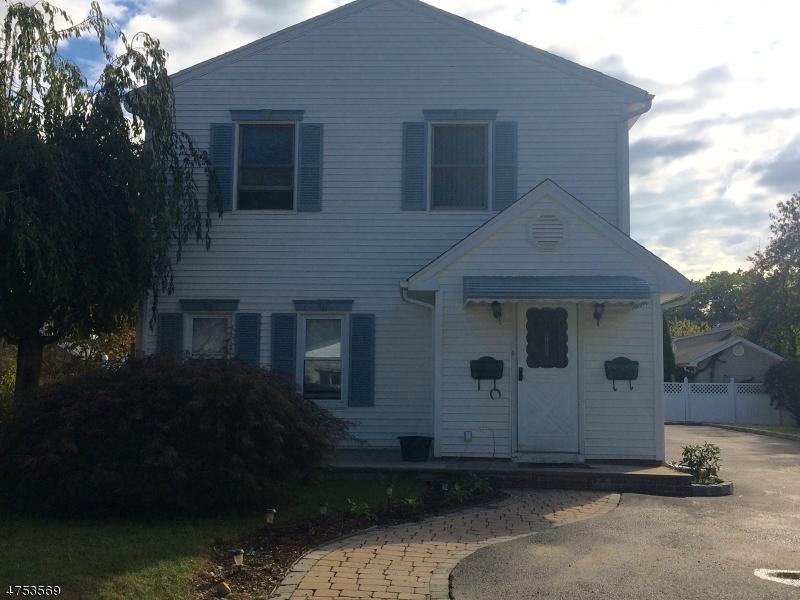 Частный односемейный дом для того Аренда на 13 Orchard Street Wanaque, Нью-Джерси 07420 Соединенные Штаты