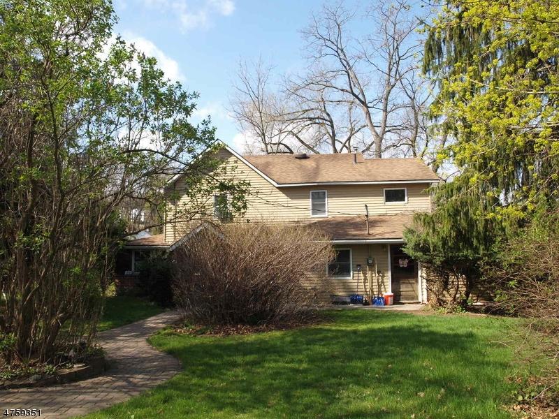独户住宅 为 销售 在 206 Main Street Ogdensburg, 新泽西州 07439 美国