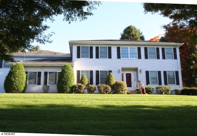Single Family Home for Sale at 31 Meyersville Road Long Hill, New Jersey 07933 United States