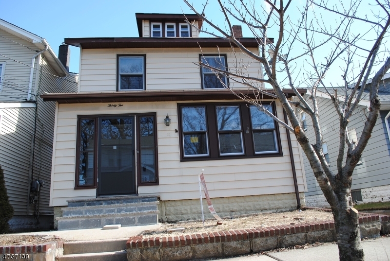 Casa Unifamiliar por un Alquiler en 32 Bell Street Belleville, Nueva Jersey 07109 Estados Unidos