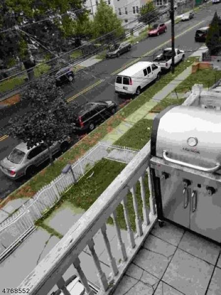 Casa Unifamiliar por un Alquiler en 535 JEFFERSON Avenue Elizabeth, Nueva Jersey 07201 Estados Unidos