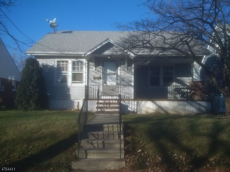 独户住宅 为 出租 在 74 E 7th Street 克利夫顿, 新泽西州 07011 美国