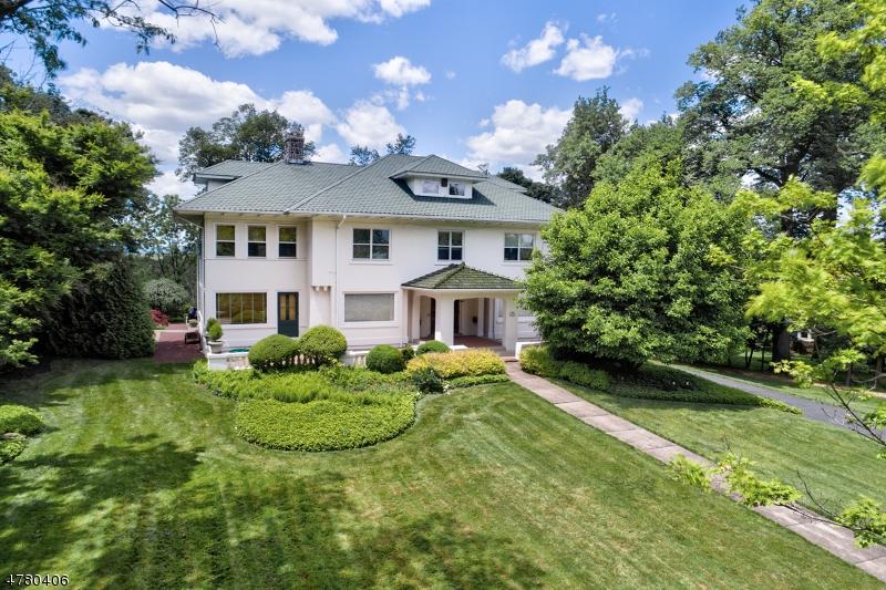 Enfamiljshus för Försäljning vid 228 Fairmount Avenue Chatham, New Jersey 07928 Usa
