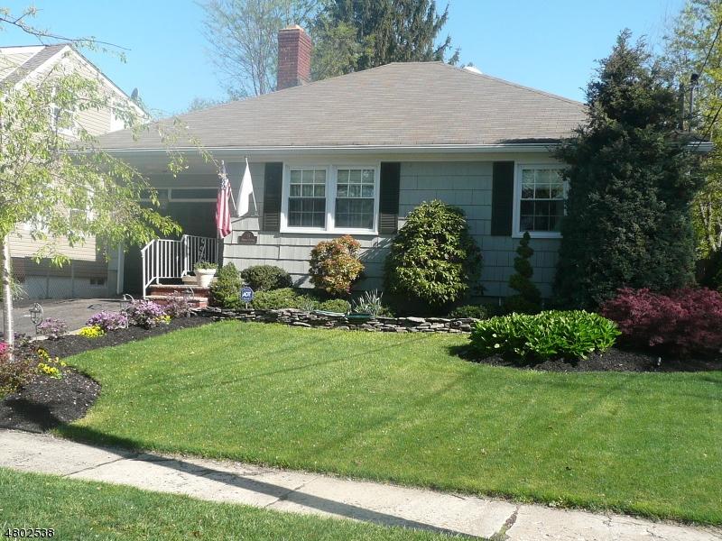独户住宅 为 销售 在 15 Fitzherbert Street 布鲁姆菲尔德, 新泽西州 07003 美国