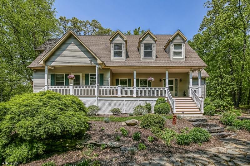 Maison unifamiliale pour l Vente à 69 Van Horn Road Fredon, New Jersey 07860 États-Unis