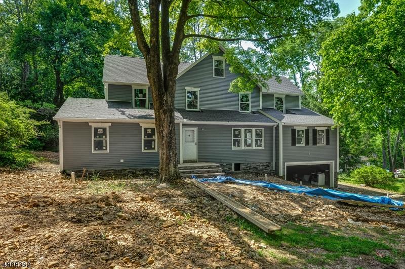 Nhà ở một gia đình vì Bán tại 19 INWOOD Road Berkeley Heights, New Jersey 07922 Hoa Kỳ
