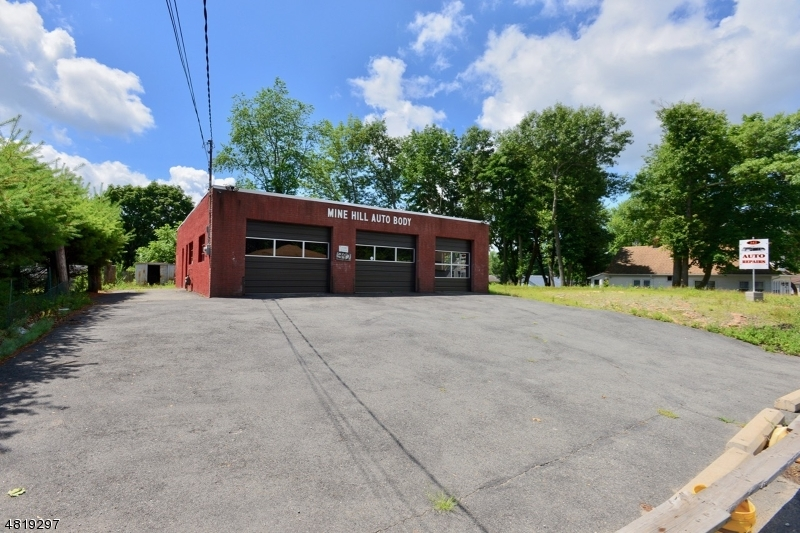 Commercial for Sale at 342 ROUTE 46 Mine Hill, New Jersey 07803 United States