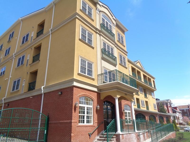 Condo / Casa geminada para Arrendamento às 201 W JERSEY Street Elizabeth, Nova Jersey 07201 Estados Unidos