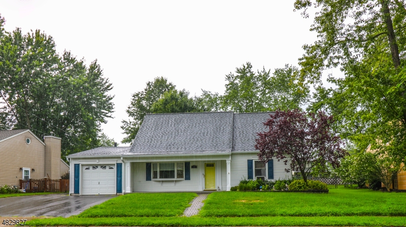 Μονοκατοικία για την Πώληση στο 147 CLOVER HILL Drive Mount Olive, Νιου Τζερσεϋ 07836 Ηνωμενεσ Πολιτειεσ