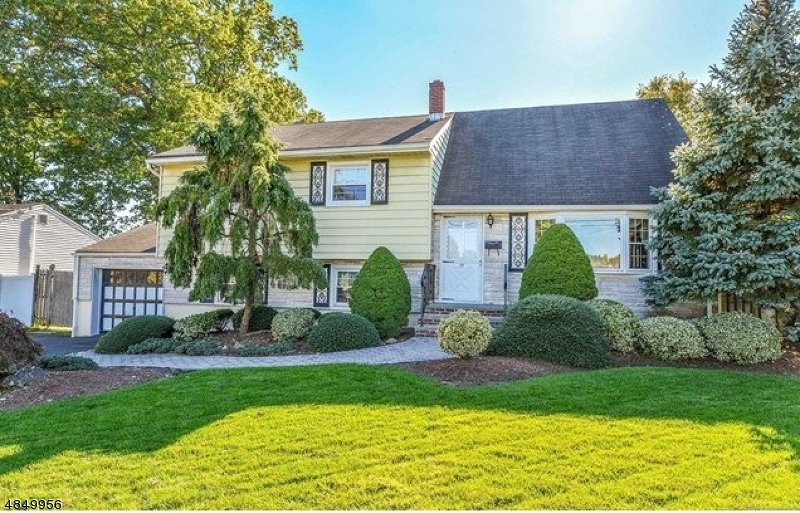 Single Family Home for Sale at 89 PASCACK AVE 89 PASCACK AVE Emerson, New Jersey 07630 United States
