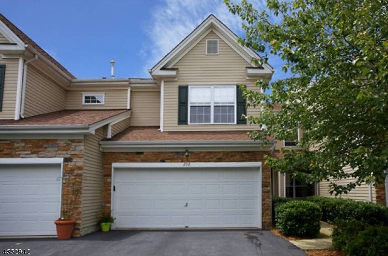Condo / Townhouse for Sale at 232 RIDGE Drive Pompton Lakes, New Jersey 07442 United States