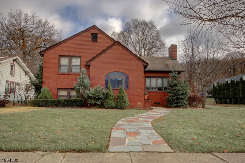 Single Family Home for Sale at 425 LINCOLN Avenue Pompton Lakes, New Jersey 07442 United States