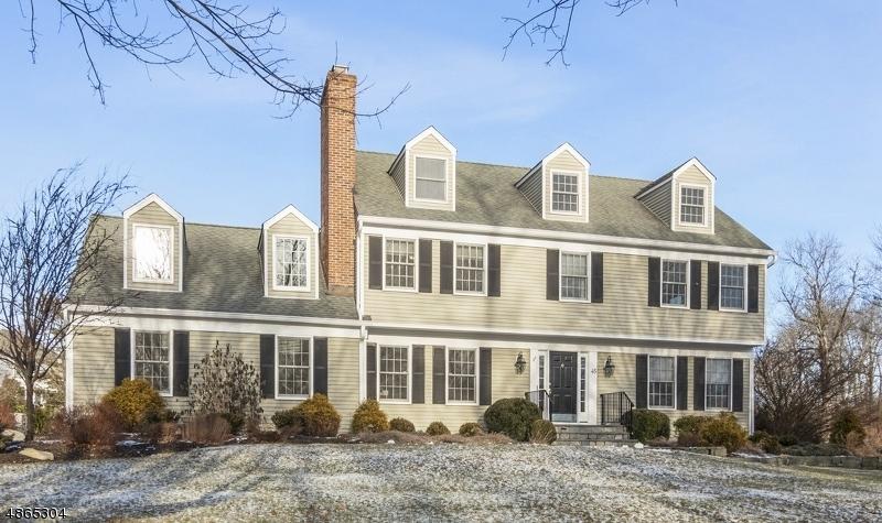 Частный односемейный дом для того Аренда на 45 JEFFREY COURT Bernards Township, Нью-Джерси 07920 Соединенные Штаты