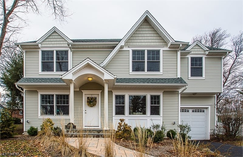 Single Family Home for Sale at Glen Rock, New Jersey 07452 United States