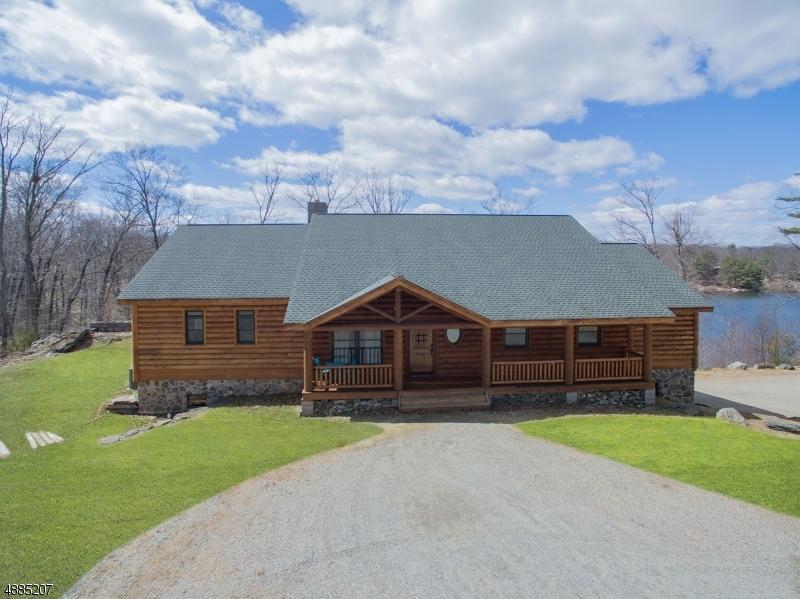 Single Family Homes para Venda às Byram Township, Nova Jersey 07821 Estados Unidos