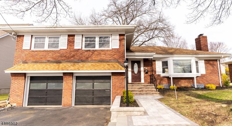 Maison unifamiliale pour l Vente à 16 PARMELEE AVE 1X Fair Lawn, New Jersey 07410 États-Unis