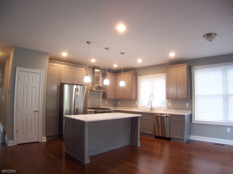 Single Family Home for Sale at Woodbridge, New Jersey 07067 United States