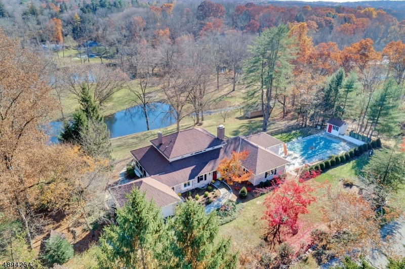 Single Family Home for Sale at 87 DEERHAVEN RD Mahwah, New Jersey 07430 United States