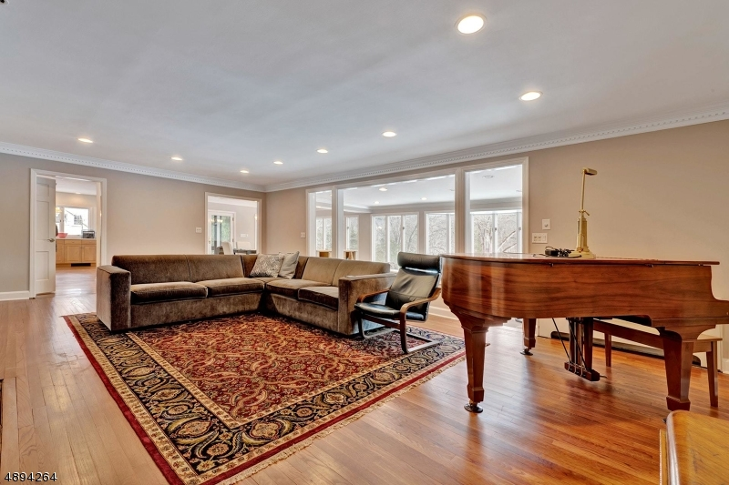 Additional photo for property listing at 87 DEERHAVEN RD Mahwah, New Jersey 07430 United States