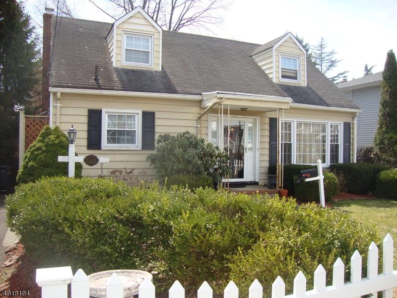 Single Family Homes für Verkauf beim Bergenfield, New Jersey 07621 Vereinigte Staaten