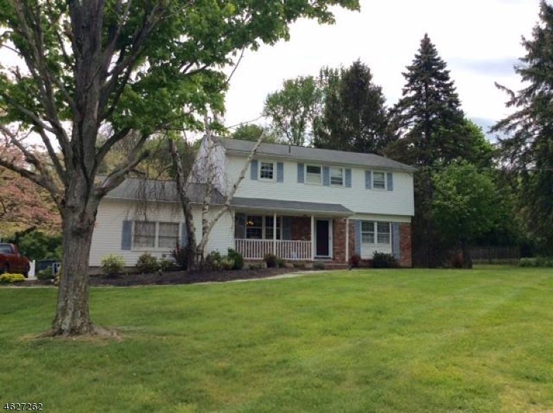 Casa Unifamiliar por un Venta en 31 Westgate Drive Sparta, Nueva Jersey 07871 Estados Unidos
