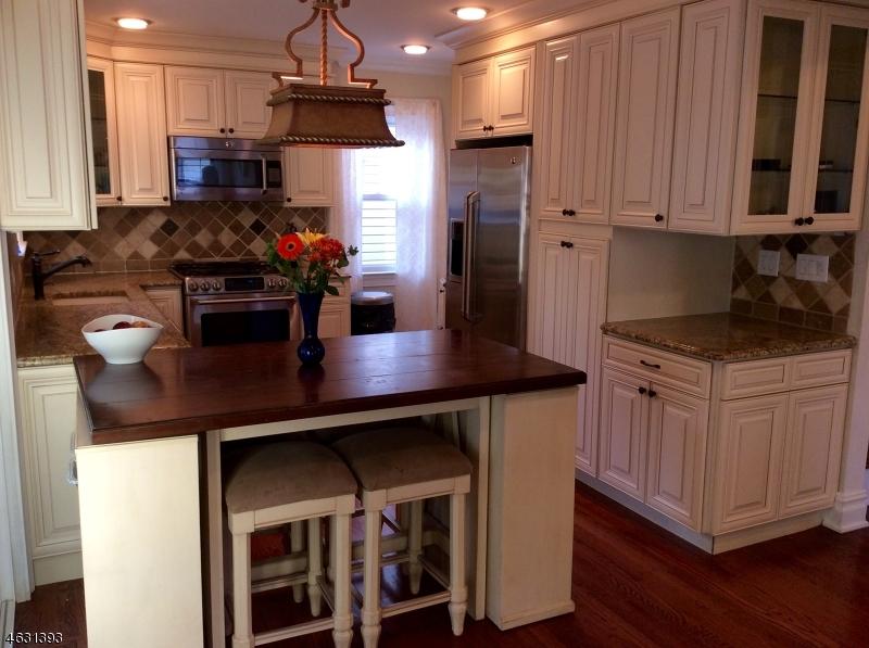 Additional photo for property listing at 484 Roosevelt Avenue  Lyndhurst, Nueva Jersey 07071 Estados Unidos