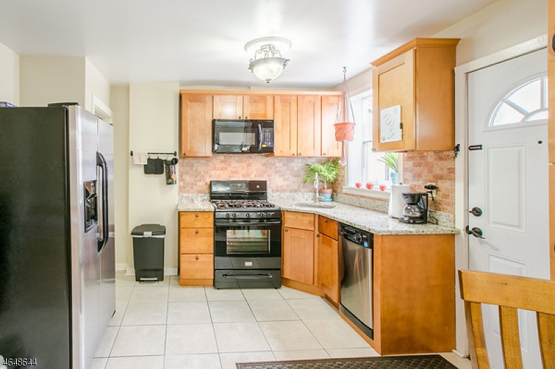 Additional photo for property listing at 473 Fay Avenue  Elizabeth, New Jersey 07202 États-Unis