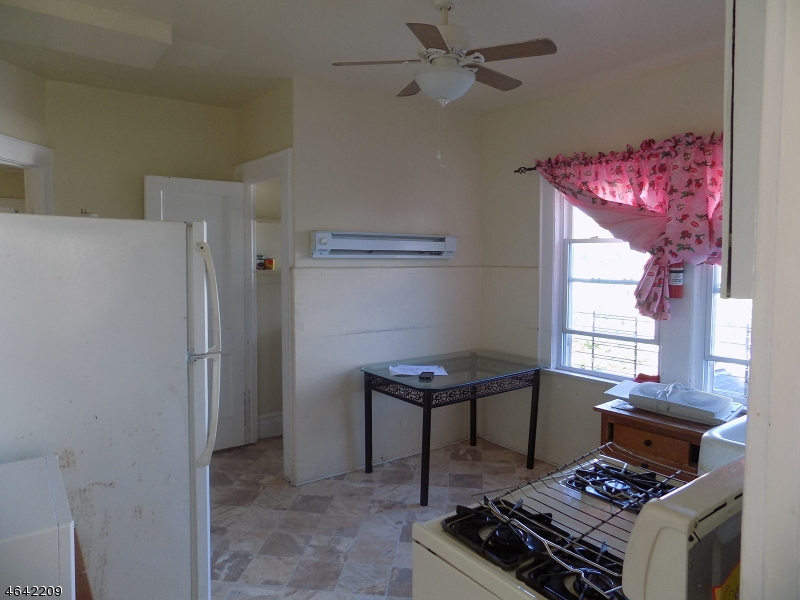 Additional photo for property listing at 146 Port Avenue  Elizabeth, 新泽西州 07206 美国