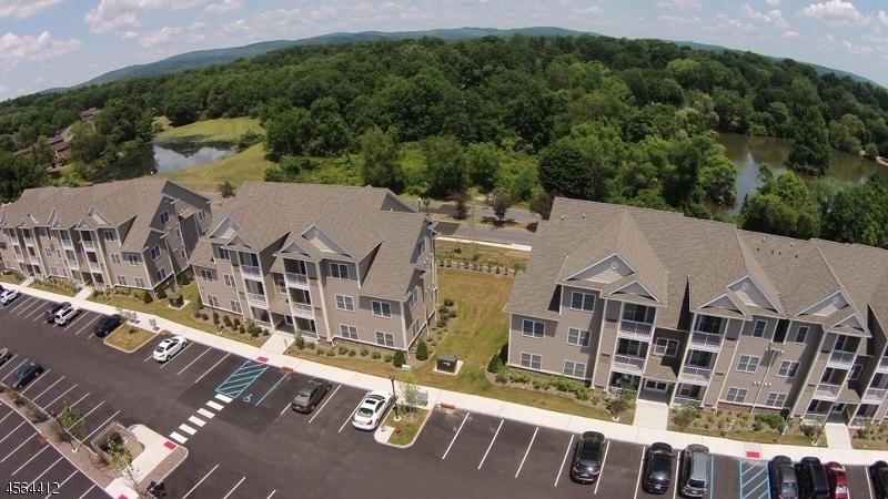 Casa Unifamiliar por un Alquiler en 48 Park Drive Clinton, Nueva Jersey 08809 Estados Unidos