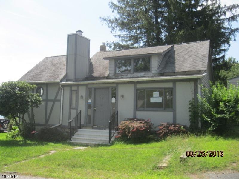 Частный односемейный дом для того Продажа на 2 BOOMER Road Hopatcong, Нью-Джерси 07843 Соединенные Штаты
