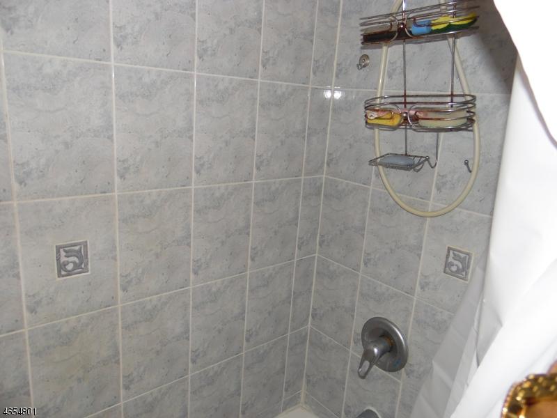 Additional photo for property listing at 86 Vanderpool Street  Newark, Nueva Jersey 07114 Estados Unidos