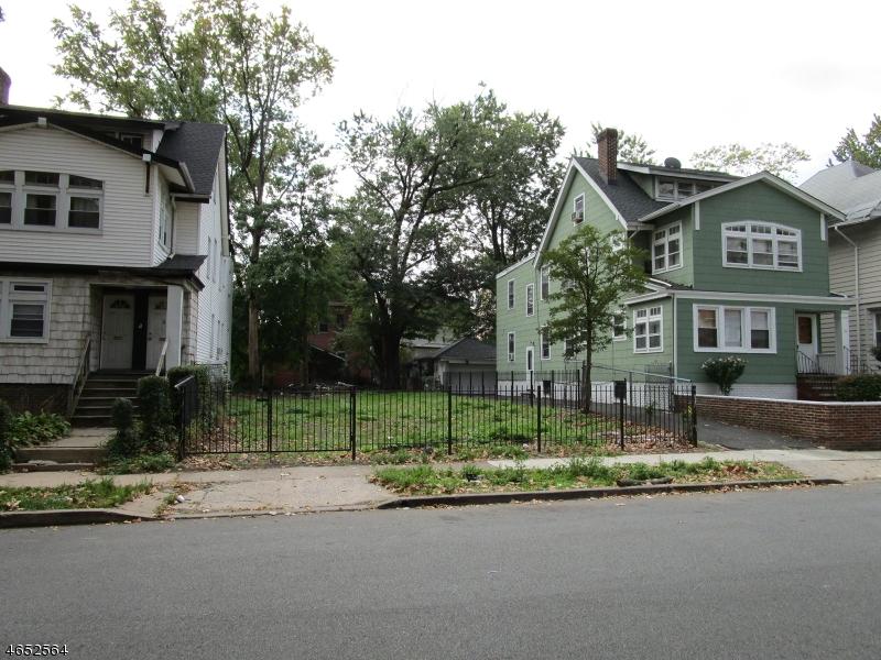 Terrain pour l Vente à 17 Melrose Avenue East Orange, New Jersey 07018 États-Unis