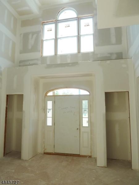 Additional photo for property listing at 263 Hillsborough Road  Hillsborough, New Jersey 08844 États-Unis