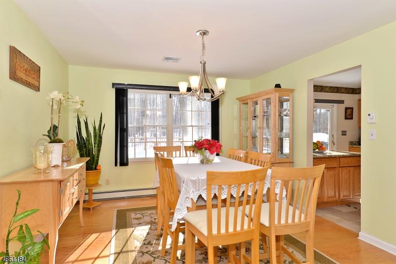 Additional photo for property listing at 6 Walnut Street  Newton, Nueva Jersey 07860 Estados Unidos