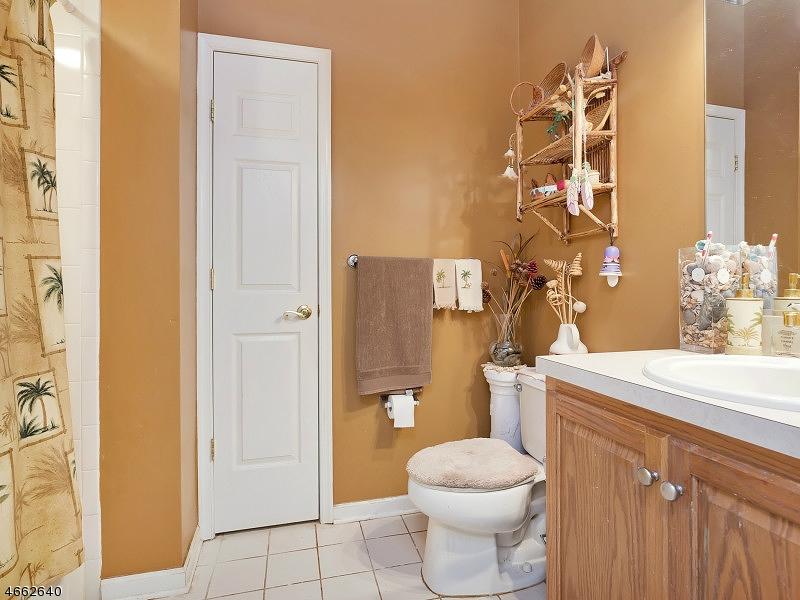 Additional photo for property listing at 21 HINGHAM LANE  Barnegat, Нью-Джерси 08005 Соединенные Штаты