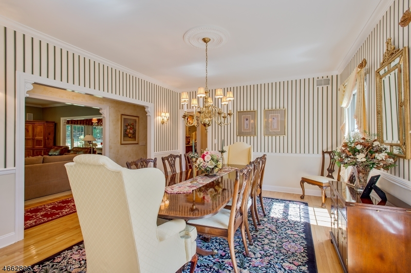 Additional photo for property listing at 7 Cotswold Lane  Warren, New Jersey 07059 États-Unis