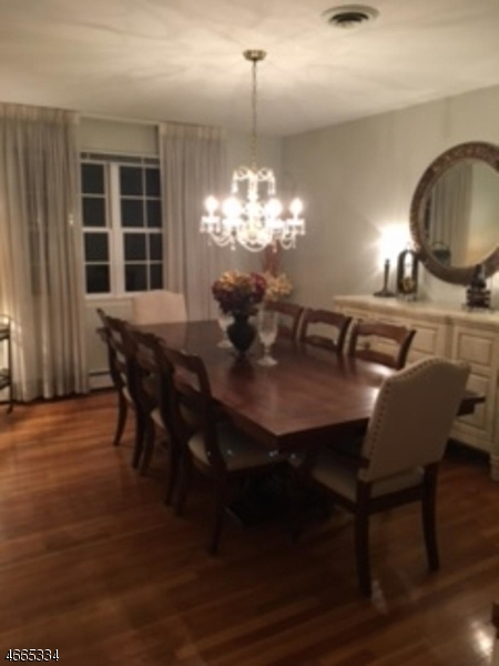 Additional photo for property listing at 720 Country Club Road  Bridgewater, New Jersey 08807 États-Unis