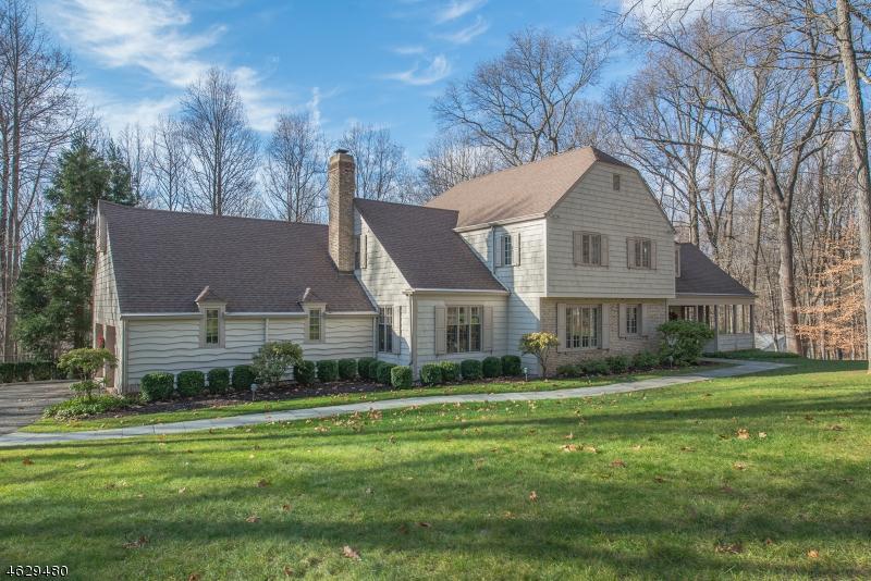 Частный односемейный дом для того Продажа на 22 Oak Knoll Road Mendham, Нью-Джерси 07945 Соединенные Штаты