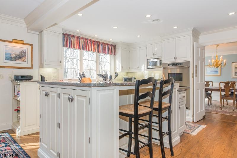Additional photo for property listing at 22 Oak Knoll Road  Mendham, Нью-Джерси 07945 Соединенные Штаты