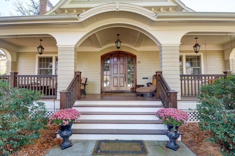Maison unifamiliale pour l Vente à 36 Blackburn Place Summit, New Jersey 07901 États-Unis