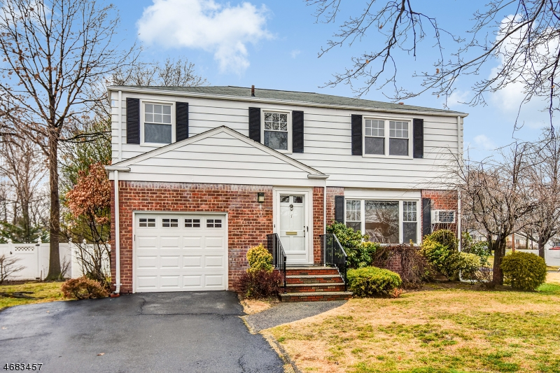 Single Family Home for Sale at 7 Godwin Avenue Fair Lawn, 07410 United States