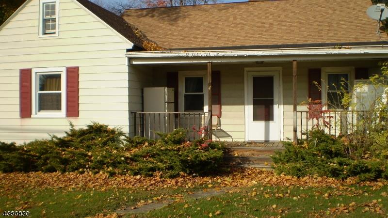 独户住宅 为 出租 在 579 Route 46 哈克特斯镇, 新泽西州 07840 美国