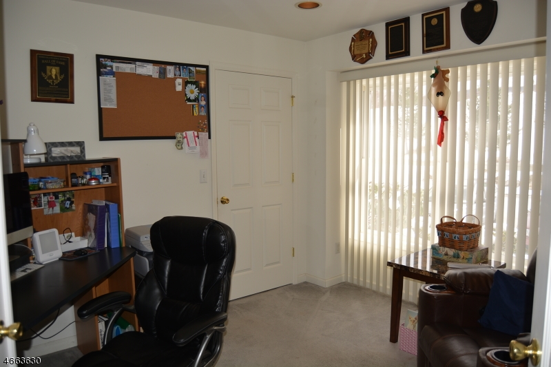Additional photo for property listing at 4 Clubhouse Road  Hardyston, New Jersey 07419 États-Unis