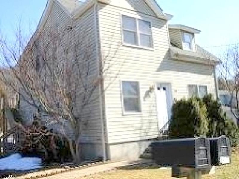 Частный односемейный дом для того Аренда на 78 Van Dam Avenue Bloomingdale, Нью-Джерси 07403 Соединенные Штаты
