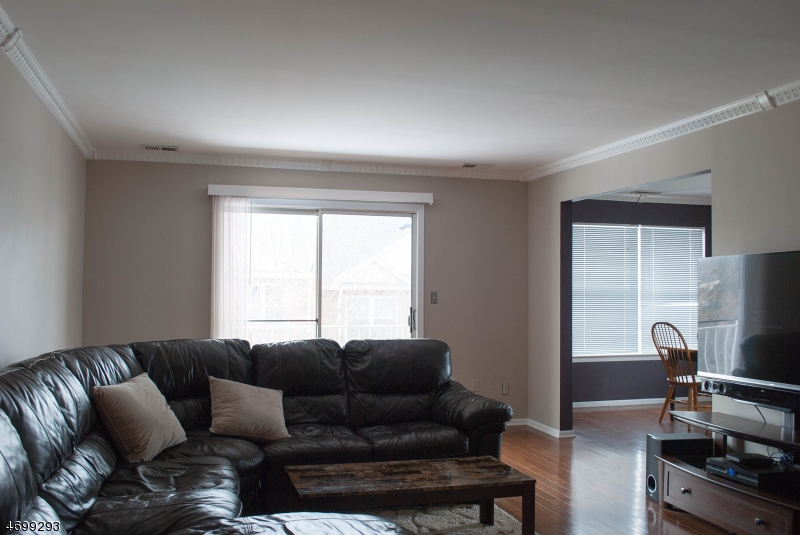 Casa Unifamiliar por un Alquiler en 26 Gracie Road East Hanover, Nueva Jersey 07936 Estados Unidos