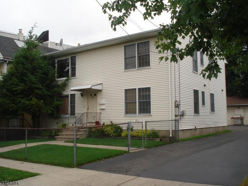 多户住宅 为 销售 在 29 Monroe Street Garfield, 新泽西州 07026 美国